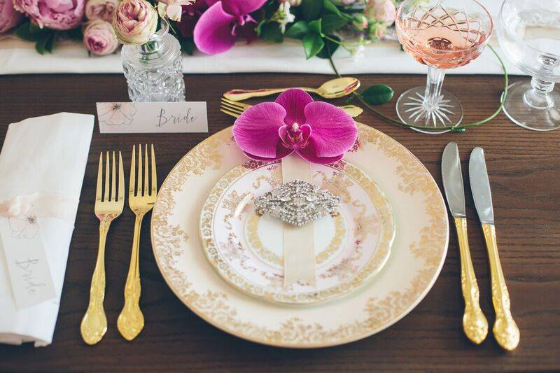 Vintage Dinner Plate Hire | The Vintage Table Perth