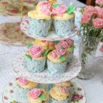 Three Tiered Cake Stand | Gold Handle