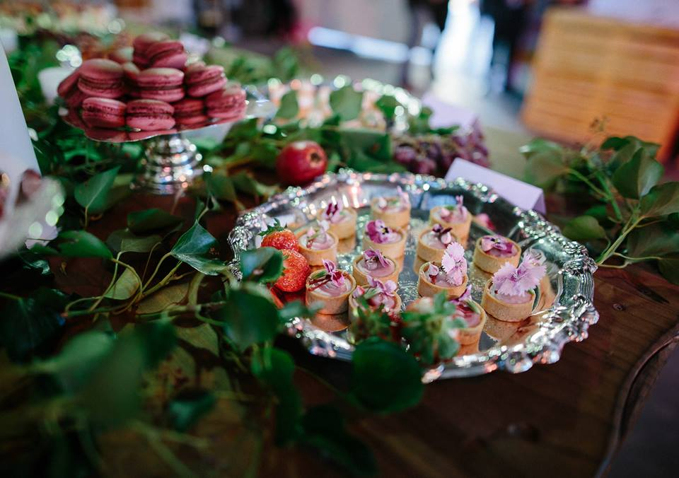 Vintage Silver Trays & Pedestal Stands   Verlena Cakes   Flossy Photography